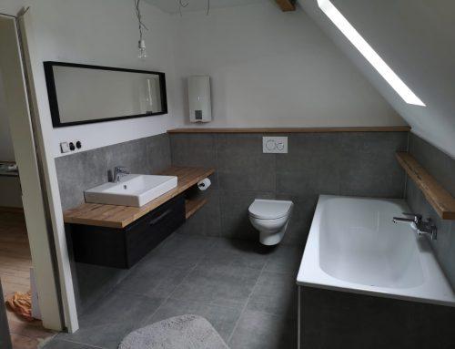 Badrenovierung – Bad in Dachschräge